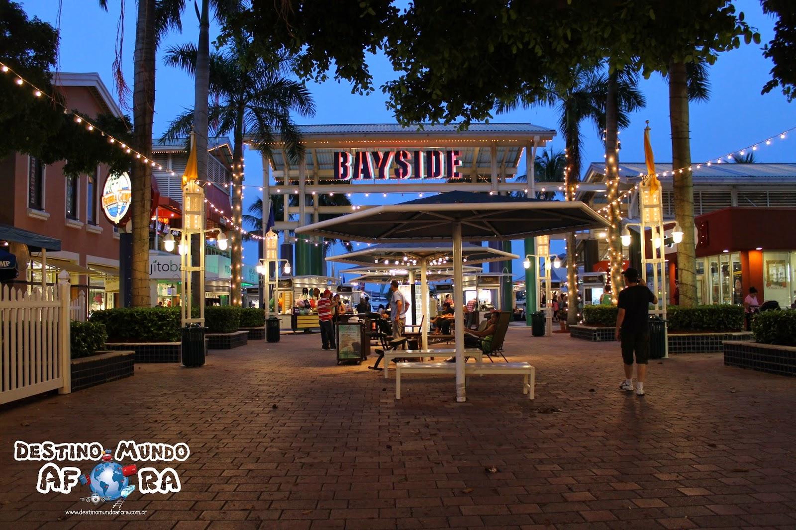 Bayside Marketplace: opção de compras, gastronomia e lazer