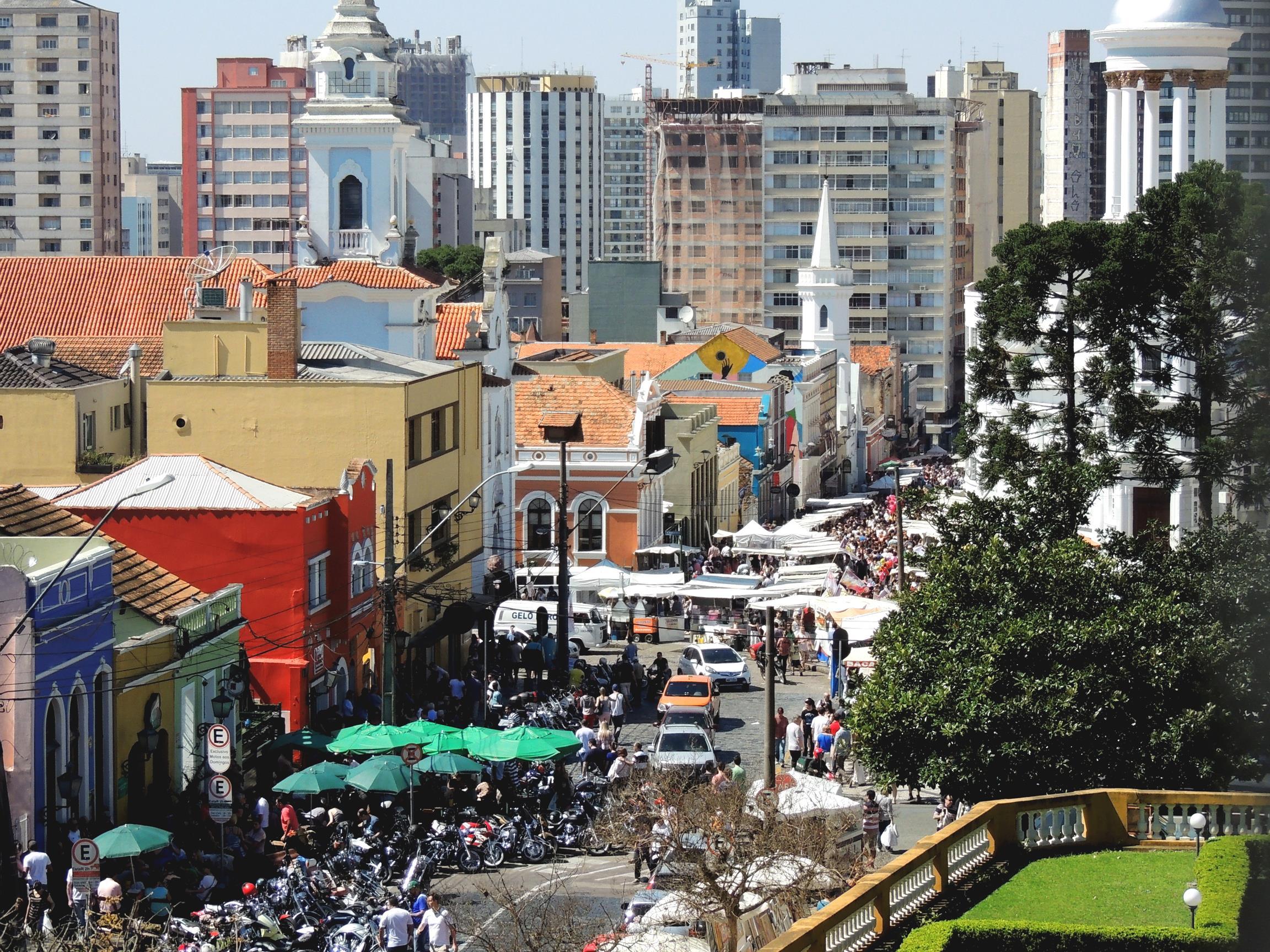 Feira do Largo da Ordem, em Curitiba