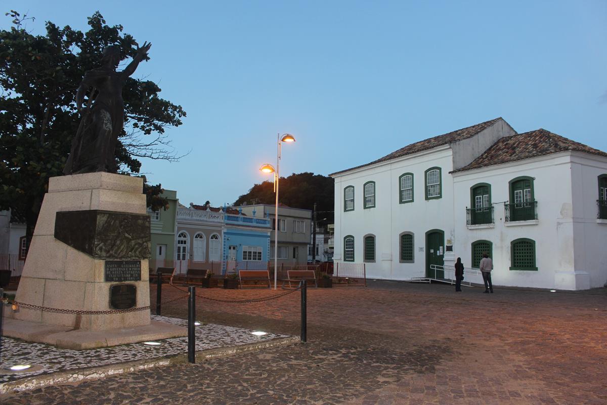 Encantos e histórias de Laguna, em Santa Catarina