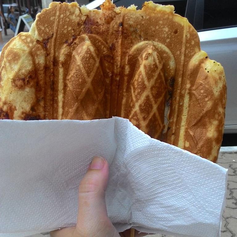 Crepe suíço é opção de comida de rua em Capão da Canoa