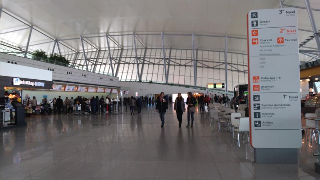 Como é o Aeroporto de Carrasco no Uruguai