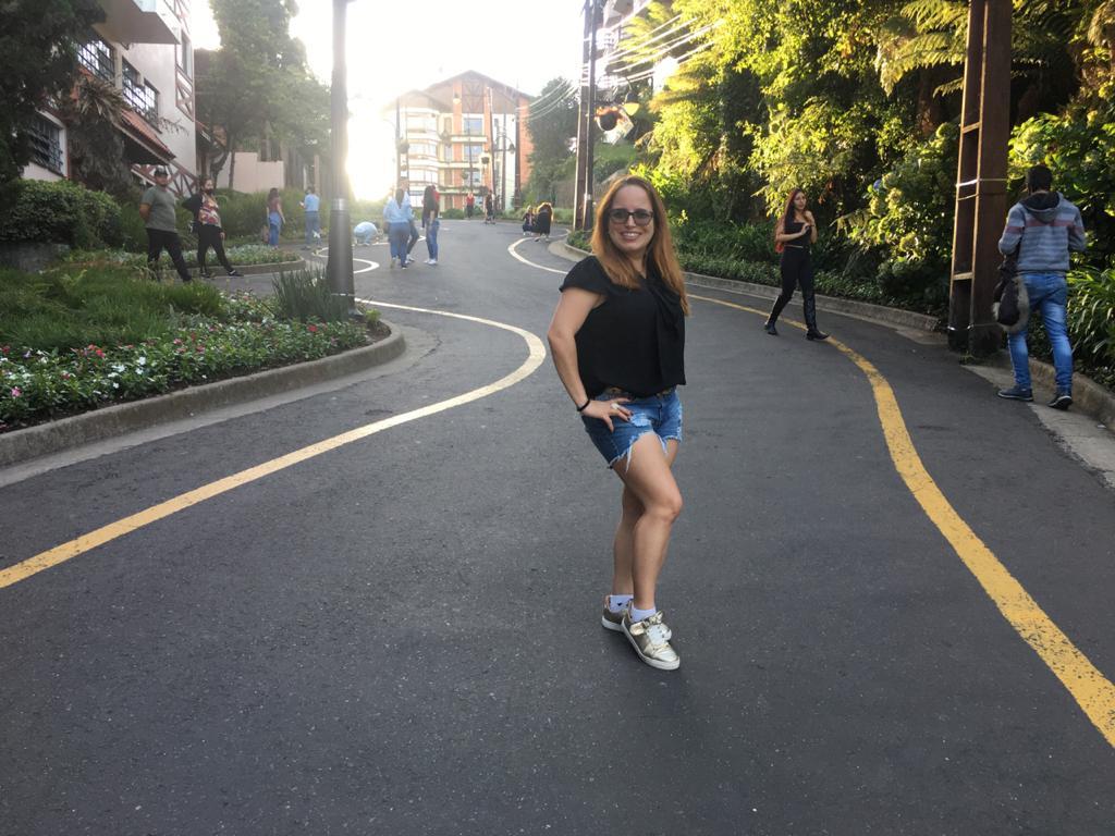 Passeio pela Rua Torta de Gramado