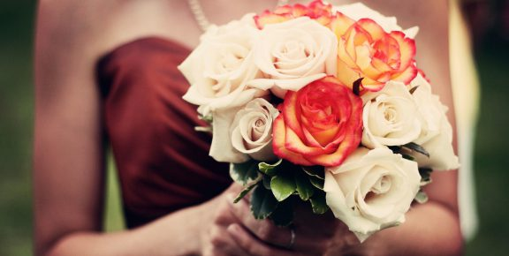 Buquê de flores ou cesta especial, quem não gosta de ser surpreendido?